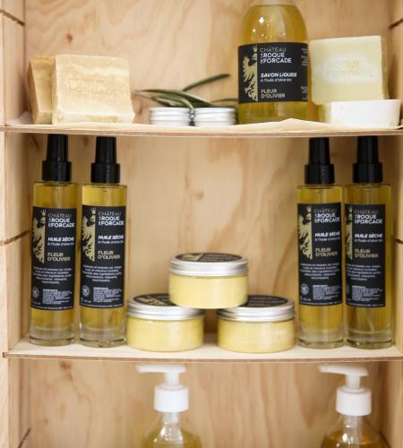 Cosmétiques: savons solide, liquide, baume à mains et lèvres, huile